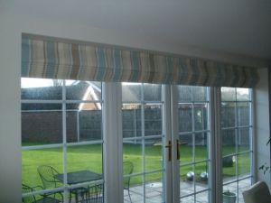4 Roman blinds