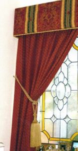 Buttoned pelmet & curtain