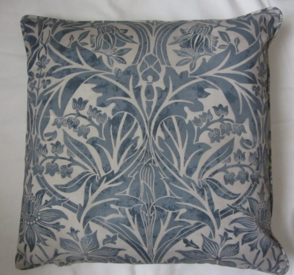 Bluebell cushion piping detail