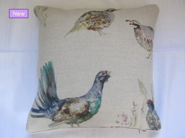 Voyage Game Birds cushion_0