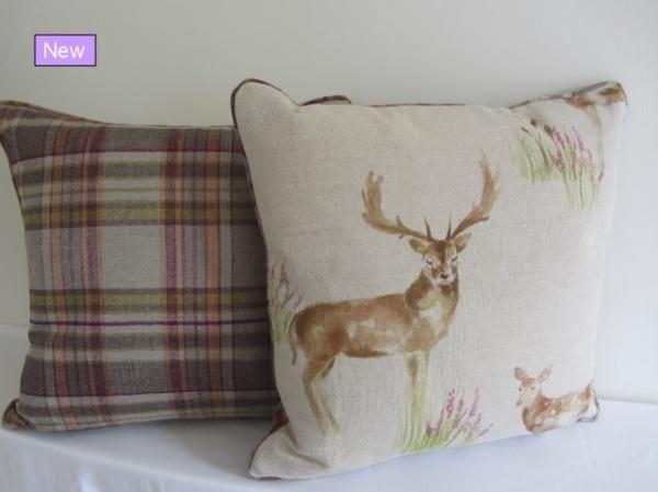 Voyage Wild Deer cushion_00